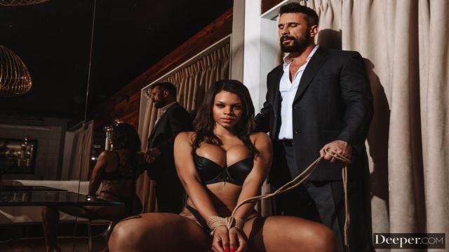 Kaba Herif Siyahi Çıtırı Sex Kölesi Yapıyor
