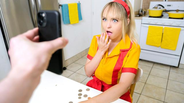 Zengin Olmak İsteyen Sarışın Kıza Büyük Teklif