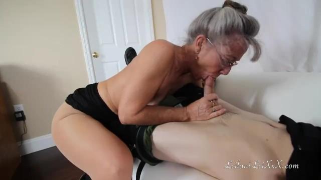Parlak Oğlanı Ağına Düşüren Tecrübeli Yaşlı Kadın